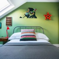 Boys bedroom Ealing in Farrow & Ball Yeabridge Green